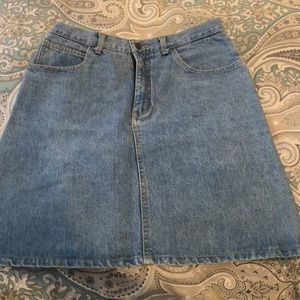 Guess denim jean skirt size 32